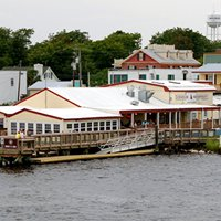 Icehouse Waterfront Restaurant