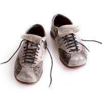 Snique- custom handmade sneakers