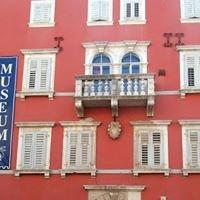 Muzej Grada Rovinja Rovigno / Museo della Citta' di Rovinj Rovigno