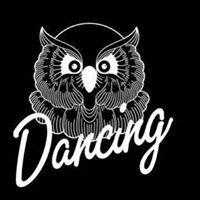 La Dame Noir Dancing
