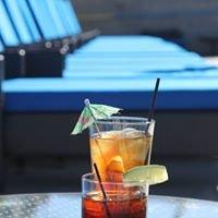 Aqua Poolside Bar