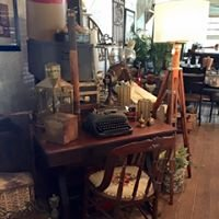 The Dusty Loft Antiques & Collectables
