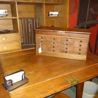 Red Barn Primitives & Collectibles