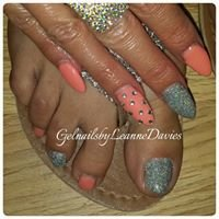 Gel nails by Leanne Davies