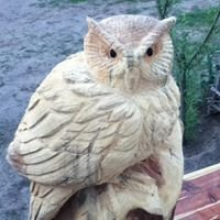 Humphrey's Chainsaw Carvings and Log Furniture