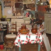 The Stable - Primitive Antiques & Handmades