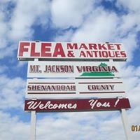 Country Road Gifts and Antiques, a flea market with class.