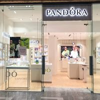 Pandora Robina