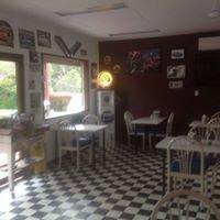 Garage Cafe 138