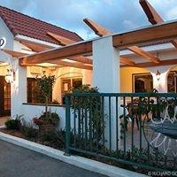 Campo Marina Cafe and Restaurant