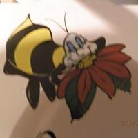 Queen Bee Bar & Grill