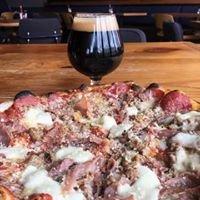Backyard Pizza and Raw Bar