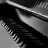 Medina Pianos