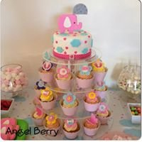 """Angel Berry: Cakes, Cupcakes & other forms of deliciousness"""