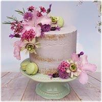 Bella Bakes Cakes