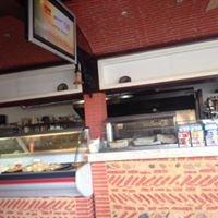 Momo's Place Shawarma Sxm