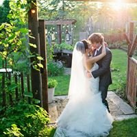 Unlost Photography - Destinations, Weddings & Elopements