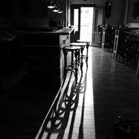 Karijola Wine Bar