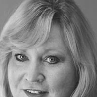 Donna Jo Farmers Insurance Agent