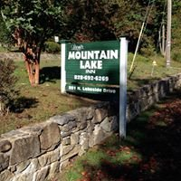 Leoni's Mountain Lake Inn