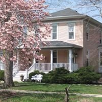 Arcola Flower Patch & Diamond House Bed & Breakfasts
