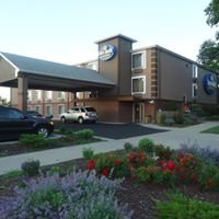 TownHouse Extended Stay Hotel Downtown Lincoln