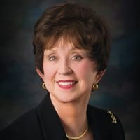 Kay Earp, Broker Associate