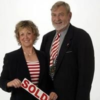 "Bob & Jo Woodward - ""Metro StL Home Team"" with RE / MAX Alliance"