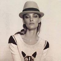 Suzanne's Distinctive Fashions