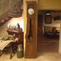 Sailler-Cipolla Weinbau & Brennerei and Antiques
