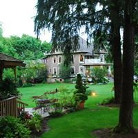 Dundee Manor Bed & Breakfast -- Oregon Wine Country