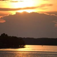 "Lake Hartwell - ""You'll Never Want to Leave!"""