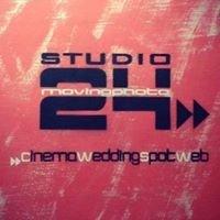 Studio24 moving photo