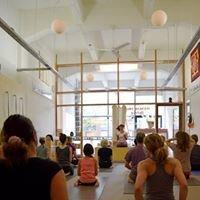 Iyengar Yoga Zeeburg Amsterdam