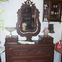 Willow Wood Antique Mall