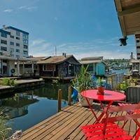Seattle Houseboats:  Floating Homes on Lake Union & Portage Bay