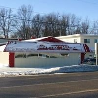 Dinelle's Country Market