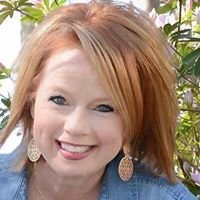 Scarlett Mason, Independent Beauty Consultant with Mary Kay