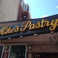 Mike's Pastry @ Italian Distrit