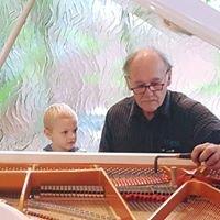 Logans Pianos