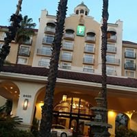 Embassy Suites by Hilton Los Angeles Downey