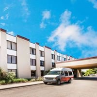 Ramada Lansing Hotel and Conference Center