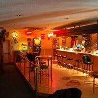 Willsborough Bowling Center & Toto's Sports Lounge
