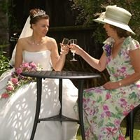 Tim Browne: Professional Wedding and Social Photography