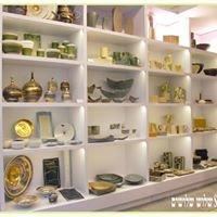 Shlush Shloshim Ceramics Gallery