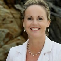 Noosa Heads Celebrant Jacqueline Gray