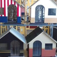 Custom made dog houses