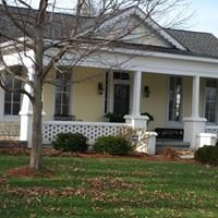 Thurman Landing: Claudia's - Guest Homes - and New Event Barn