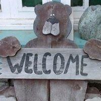 The Hugging Bear Inn & Shoppe