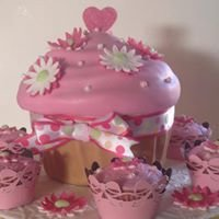 Julie's Cakes & Bakes